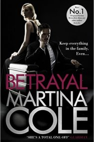 Bestseller: Betrayal  by Martina Cole